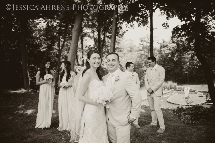 avanti mansion outdoor wedding photography buffalo ny_44