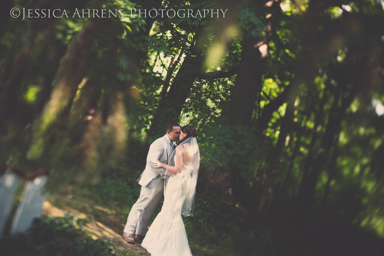 avanti mansion outdoor wedding photography buffalo ny_59