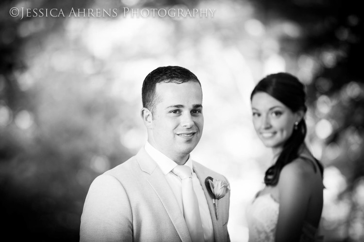 avanti mansion outdoor wedding photography buffalo ny_61