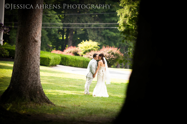avanti mansion outdoor wedding photography buffalo ny_65
