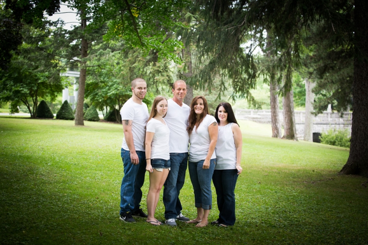 Family portrait photography at Forest lawn by the best photographer in Buffalo, Jessica Ahrens Photography.